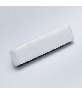 Épingle sur base adhésive blanche de 31 mm x 8 mm